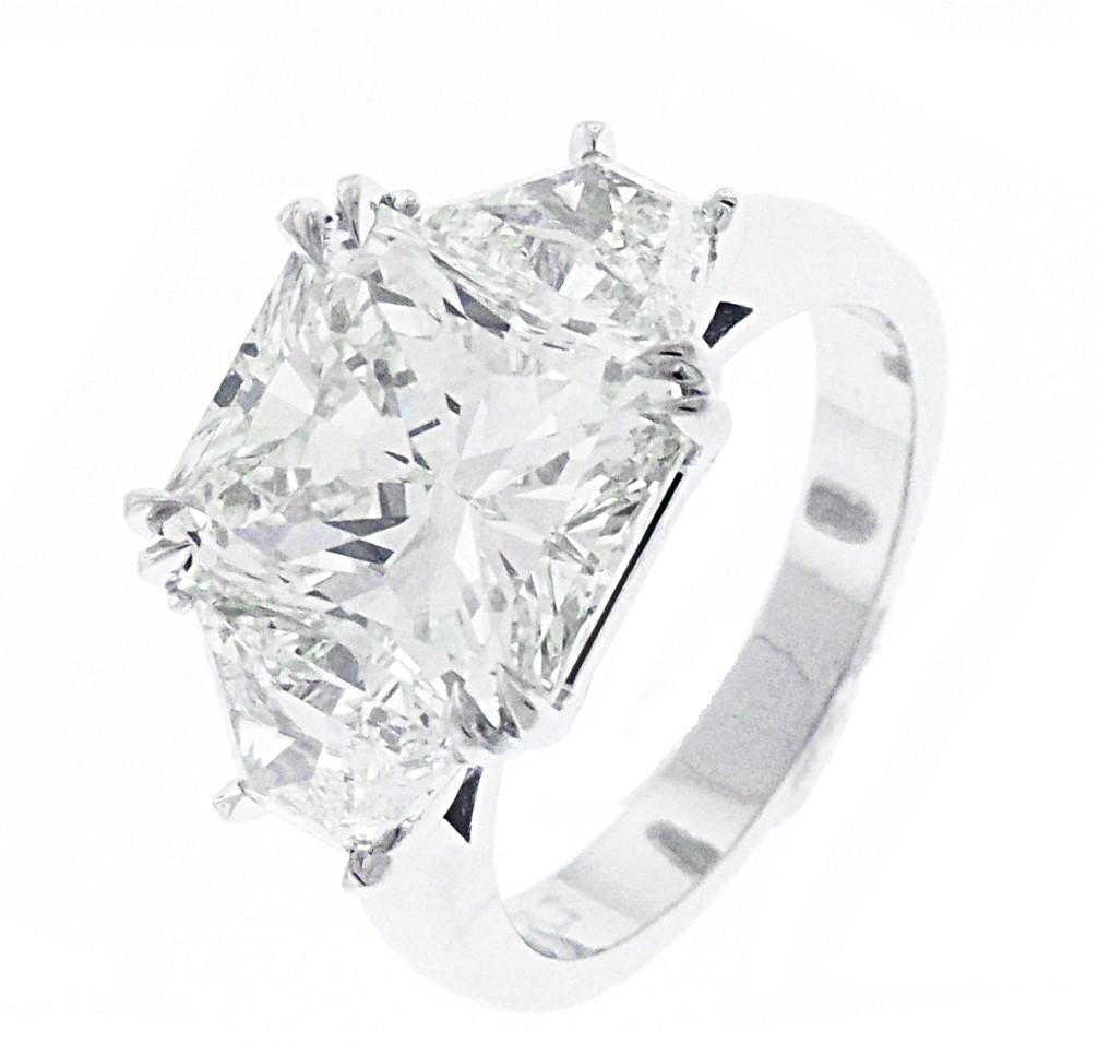 Platinum Diamond Radiant Cut Engagement Ring