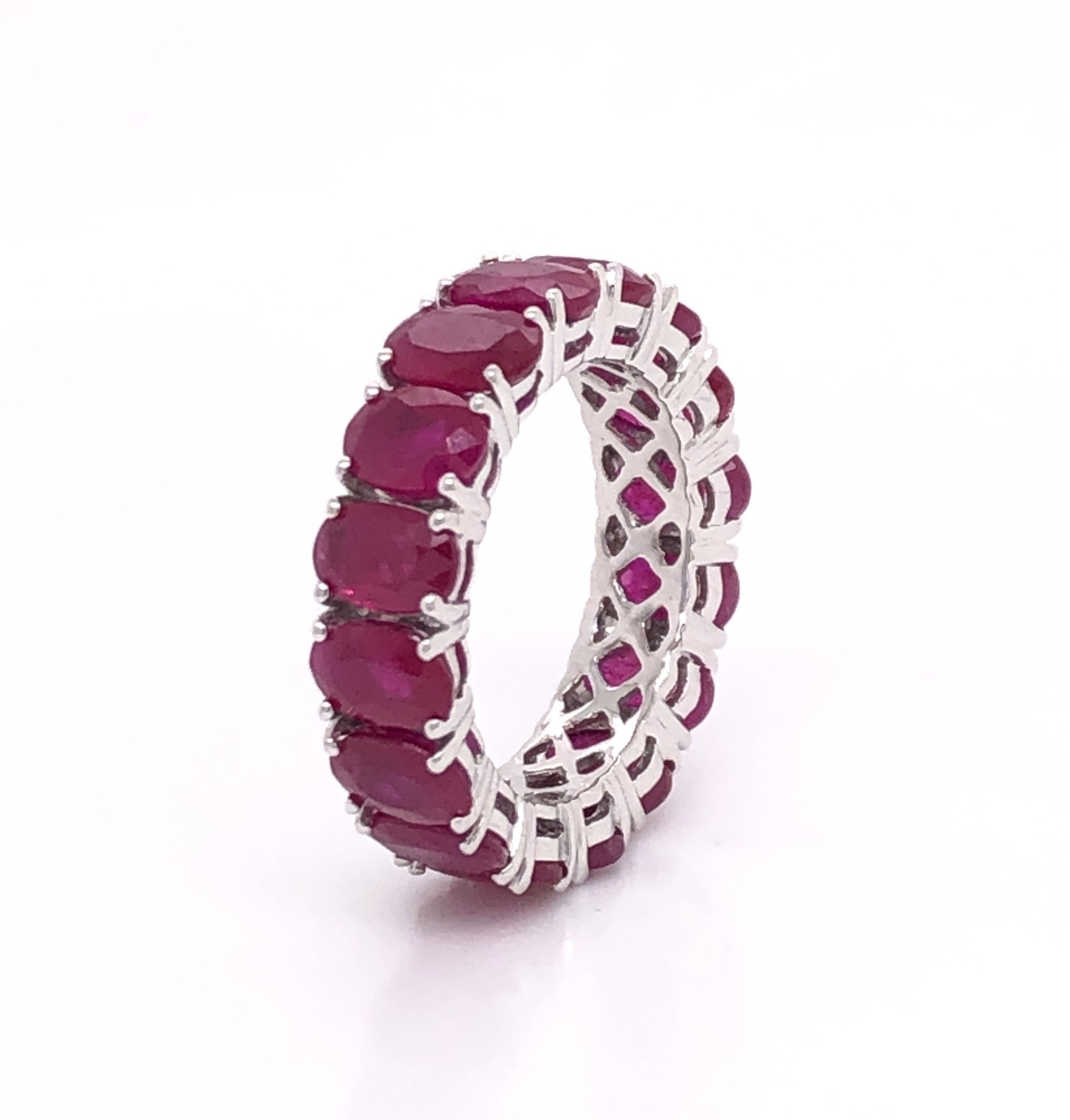 18kt White Gold Ruby Band