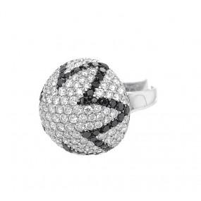 18kt White Gold Black and White Diamond Ring