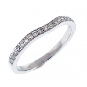 18kt White Gold Curved Band