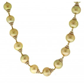 18kt Yellow Gold Diamond and Pearl Necklace