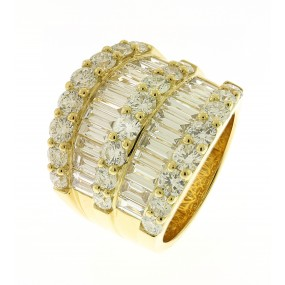 18kt Yellow Gold Diamond Band