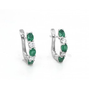 18kt White Gold Diamond And Emerald Earrings