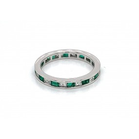 18kt White Gold Diamond and Emerald Band