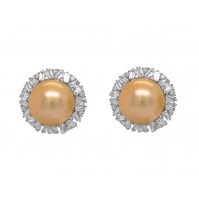 18kt White Gold Diamond and Pearl Earring