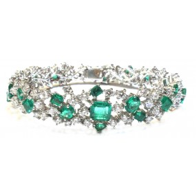 18kt White Gold Diamond And Emerald Bracelet