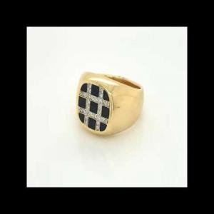 18kt Yellow Gold Diamond And Onyx Men`s Ring